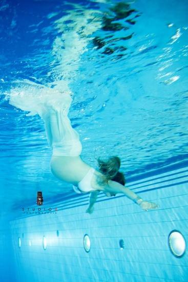 Le domaine bleu le kiosque potins du qu bec for Annie pelletier piscine