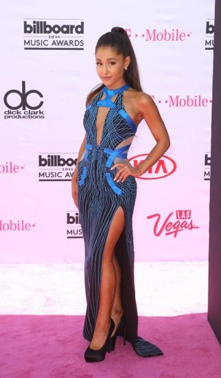 Billboard Music Awards 2016 Celine Dion recoit son prix hommage des mains de Rene Charles Angelil