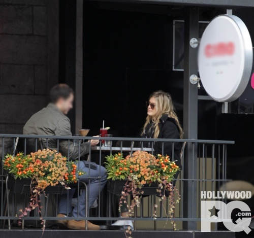 Eugenie Bouchard sort prendre un cafe dans le centre ville de Montreal SPOTTED