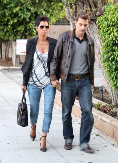 Halle Berry veut un petit mariage avec Olivier Martinez