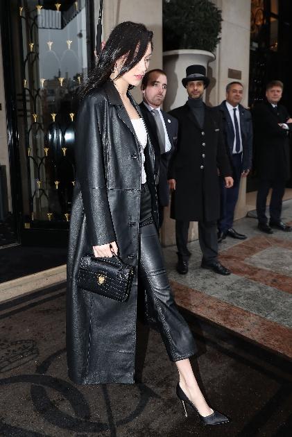 Bella Hadid à la Semaine de la mode à Paris