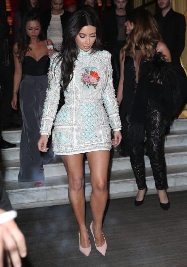 Kim Kardashian et ses amies font la fête à Paris pour son enterrement de vie de jeune fille