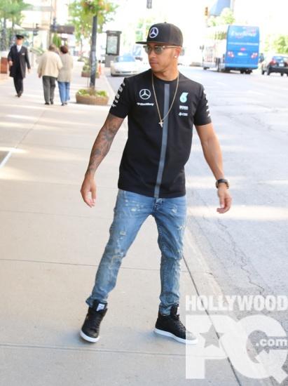 Le coureur automobile Lewis Hamilton arrive a Montreal pour le Grand Prix de Formule 1 SPOTTED