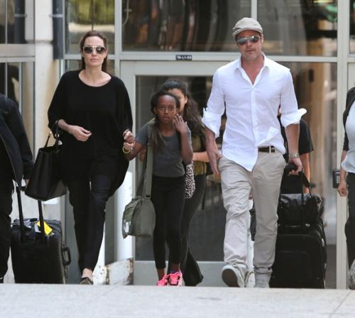 Le passe tumultueux d Angelina Jolie refait surface en video