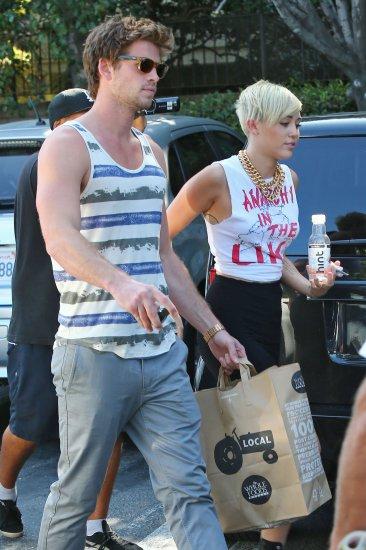 Miley Cyrus et Liam Hemsworth font leur epicerie