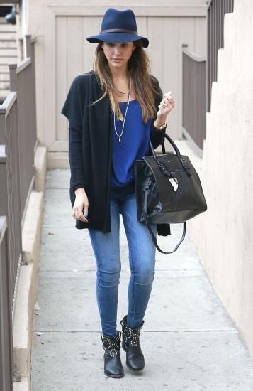 Obsession du jour : Les chapeaux modes pour contrer le froid de Jessica Alba