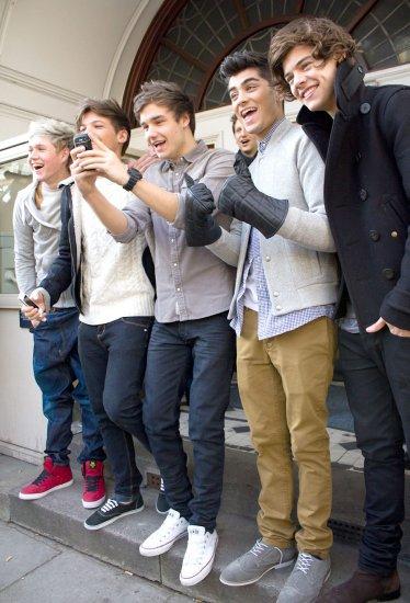 One Direction a la Gare du Nord a Paris