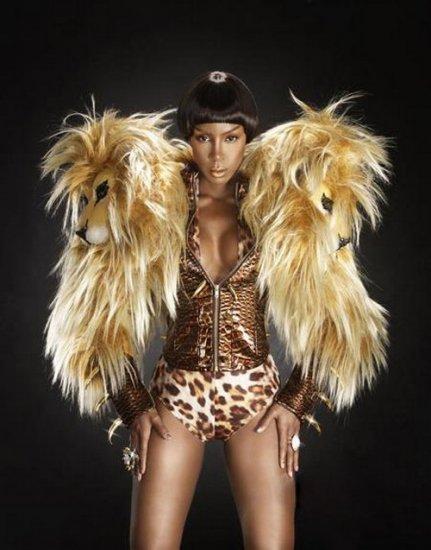 Photoshoot: Kelly Rowland pour YRB Magazine