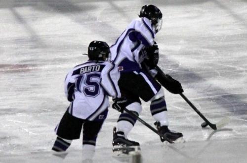 Rene Charles Angelil remporte un tournoi de hockey avec le Nevada Storm
