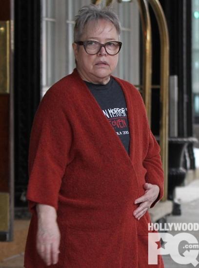 SPOTTED Kathy Bates ne parait pas contente d etre a Montreal EXCLUSIF