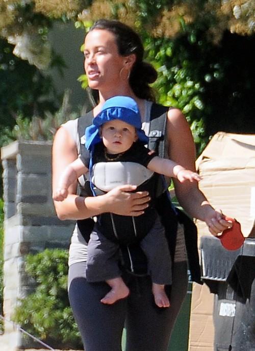 Promenade pour Alanis Morissette et son bébé Ever Imre