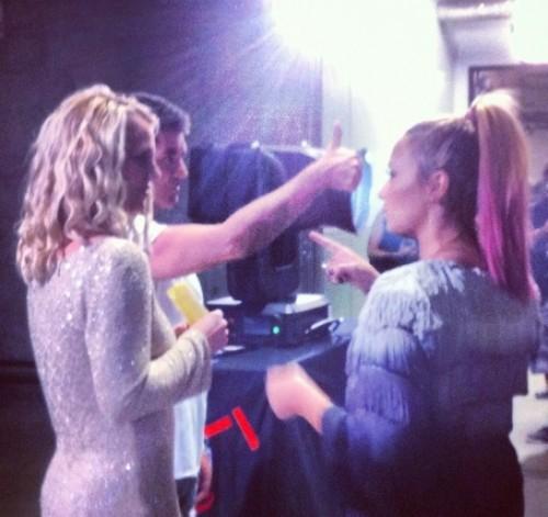Demi Lovato se teint les cheveux en rose pastel