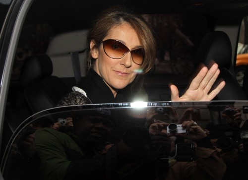 celine dion glasses 22f5  C茅line Dion chante Rolling In The Deep au Caesars Palace