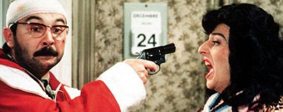 TOP 1 - Gérard Jugnot dans Le Père Noël est une Ordure (1982)