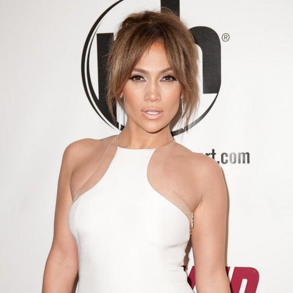 Jennifer Lopez dépense 25 000 $ pour effacer ses rides