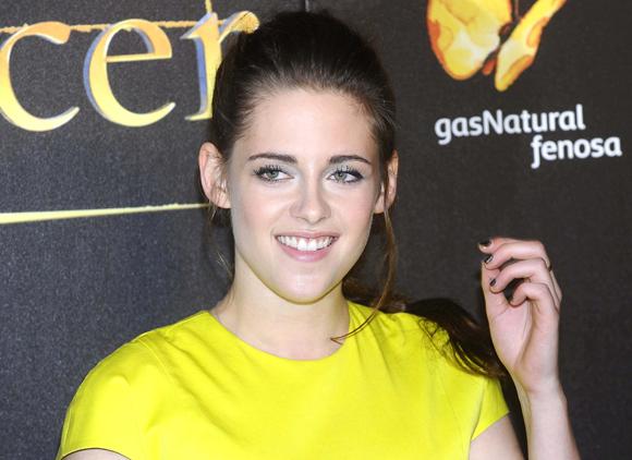 LE BUZZ - Kristen Stewart remporte l'Oscar du meilleur Handjob