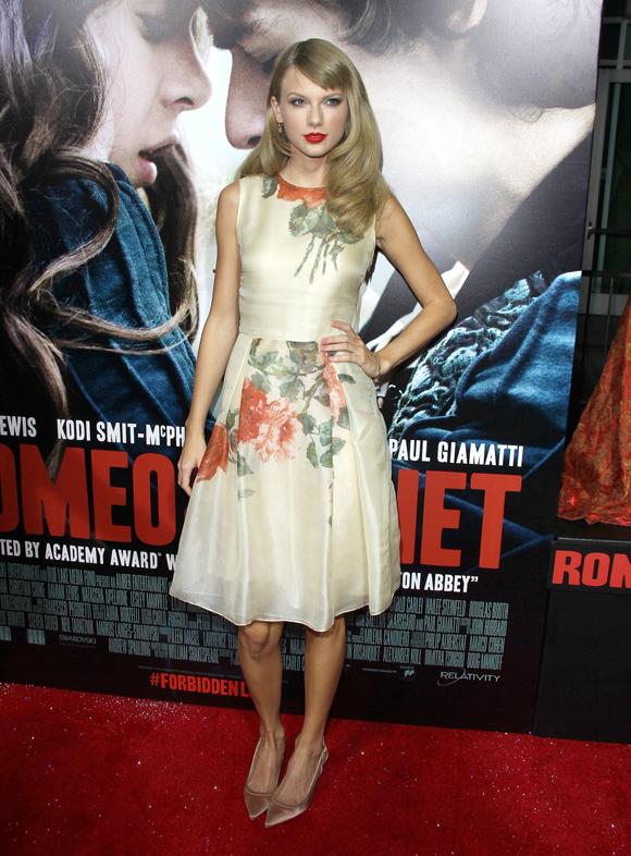 Ed Westwick et Taylor Swift à la première de Romeo And Juliet - Tapis rouge