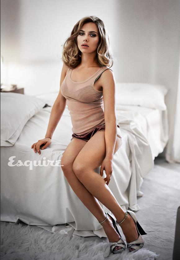 Scarlett Johansson est la femme la plus sexy du monde selon Esquire