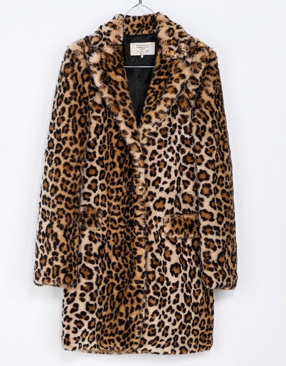 Le manteau à imprimé léopard d'Abeille Gélinas