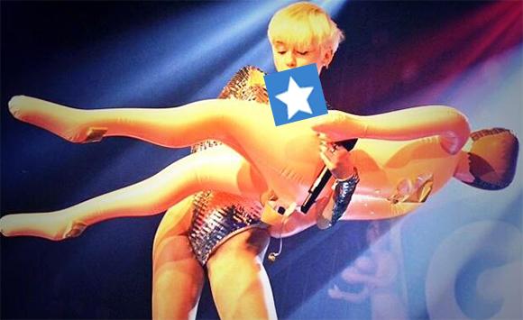 Miley Cyrus provoque une fois de plus sur scène pendant son Bangerz Tour