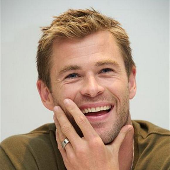 Les nouveaux cheveux courts de Chris Hemsworth - HOT or NOT