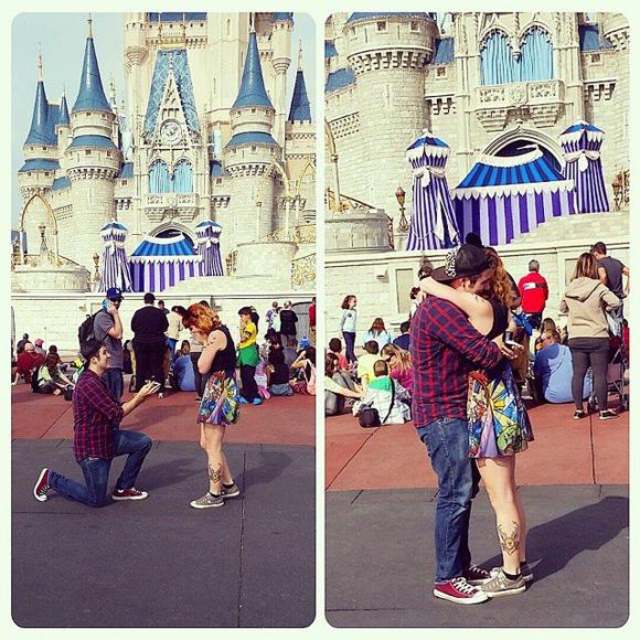 Raffy se fait demander en mariage devant le château de Cendrillon à Walt  Disney
