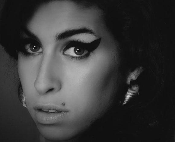 Première bande-annonce du documentaire sur Amy Winehouse