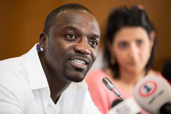 Akon prévoit alimenter 600 millions d'Africains en énergie solaire