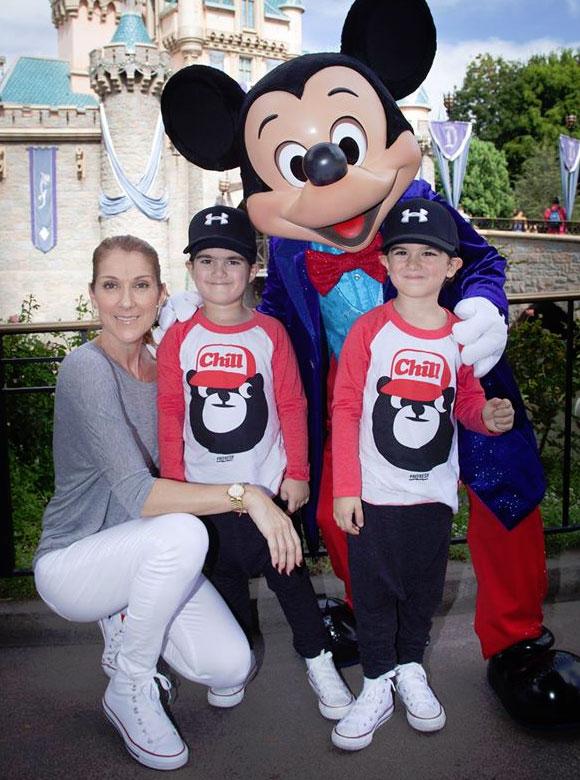 Céline Dion en selfie avec son fils René-Charles et à Disney avec les jumeaux