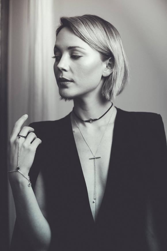 Vanessa Pilon lance une collection de bijoux en collaboration avec Humanity