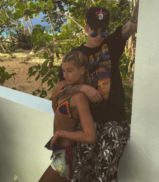 Justin Bieber embrasse Hailey Baldwin