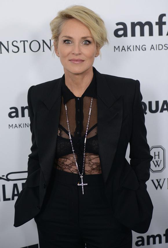 Sharon Stone a un coup de cœur pour un collier Caroline Néron