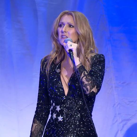 Le BUZZ - L'hommage de Céline Dion à René Angélil lors de son retour sur scène
