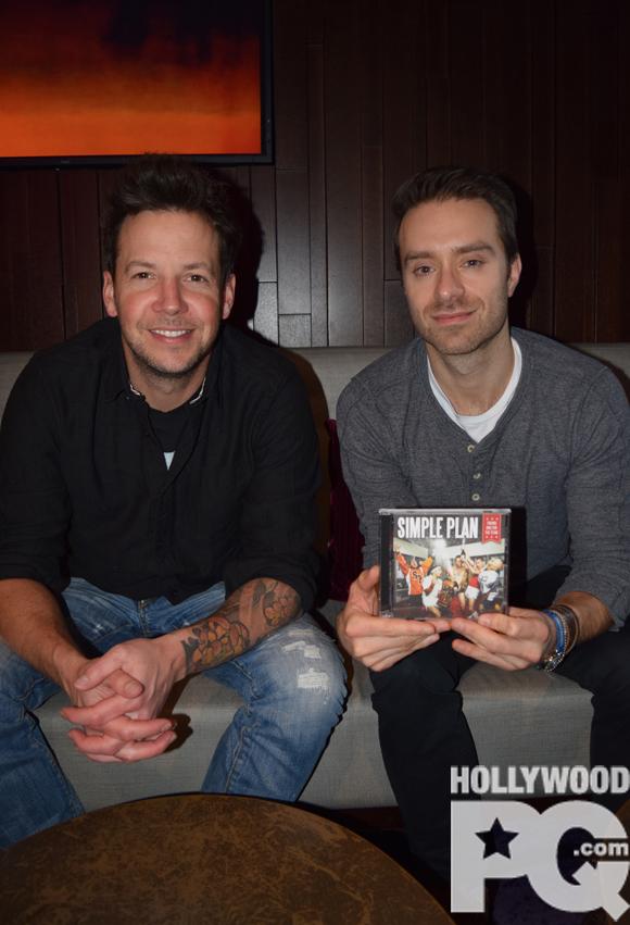 Le secret de la longévité de Simple Plan à la sortie de Taking One For The Team - Entrevue exclusive Hollywoodpq