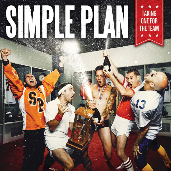 Le secret de la longévité de Simple Plan à la sortie de Taking One For The Team – Entrevue exclusive HollywoodPQ