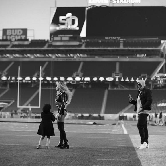 Super Bowl 50 - Beyoncé lance son nouvel extrait et annonce une tournée mondiale