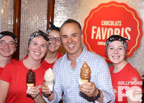 Ouverture VIP du premier Chocolats Favoris à Montréal avec Gino Chouinard et ses invités.