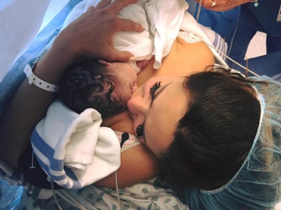 Cintia de Sa a mis au monde son premier bébé.