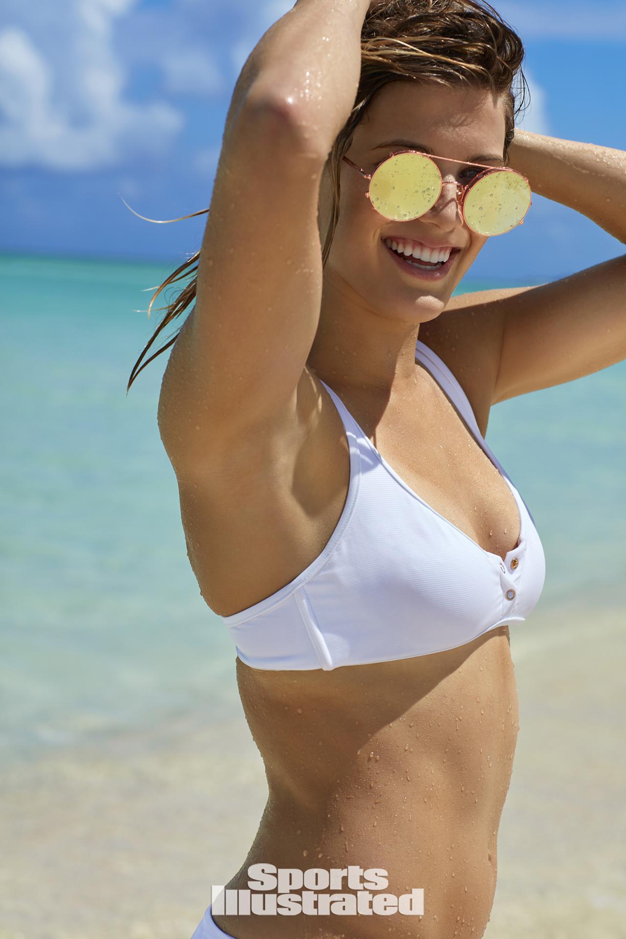 PHOTOS - Eugénie Bouchard topless pour le Sports Illustrated