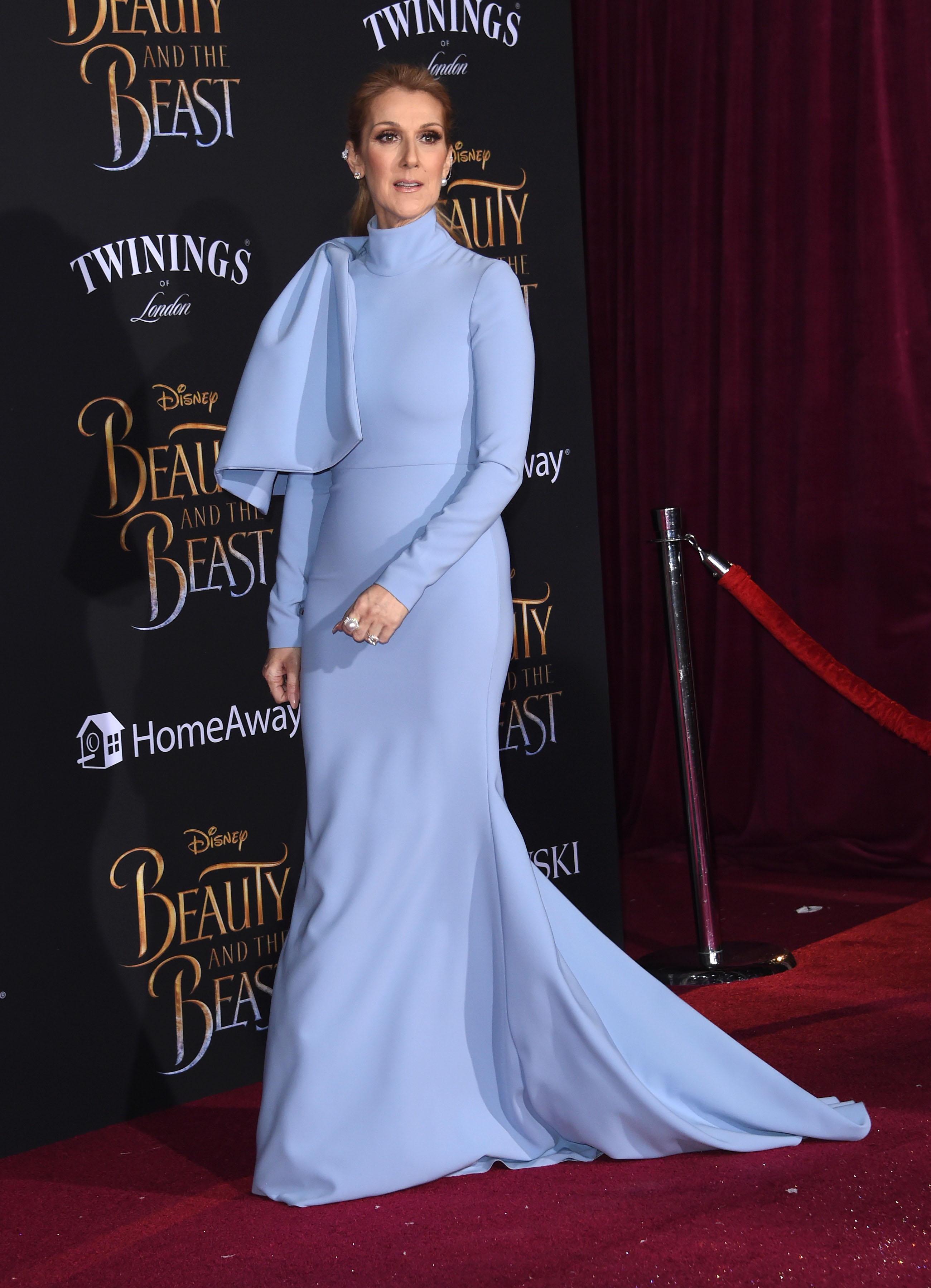 Céline Dion hyper classe pour la première de La Belle et la Bête à Los Angeles