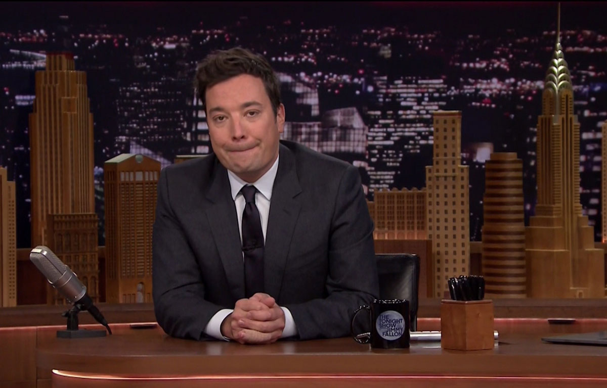 Au bord des larmes, Jimmy Fallon rend hommage à sa mère décédée