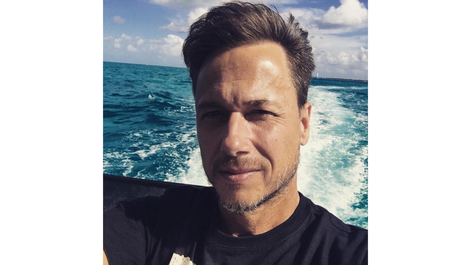 Stéphane sur un bateau au Mexique