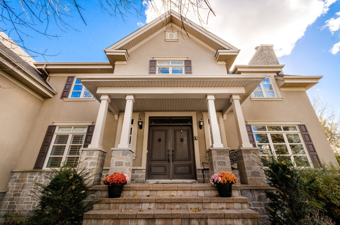 La magnifique résidence de Mahée Paiement est à vendre!