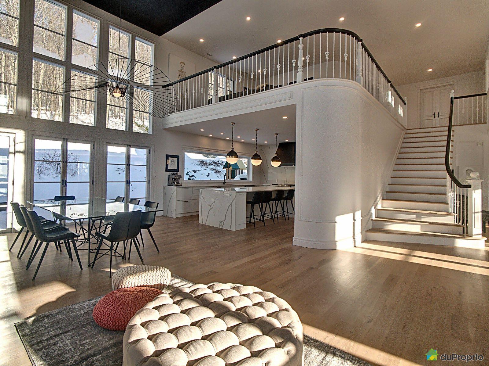maison-2-etages-mont-st-hilaire-1600-10696287
