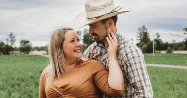 Jennifer et Ludovic de L'Amour est dans le pré vendent leur fermette