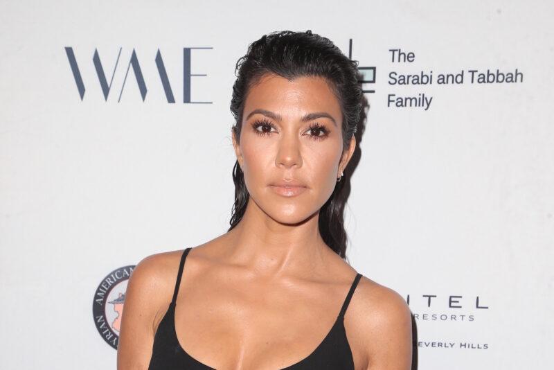 Kourtney Kardashian serait en couple avec Travis Barker de Blink-182
